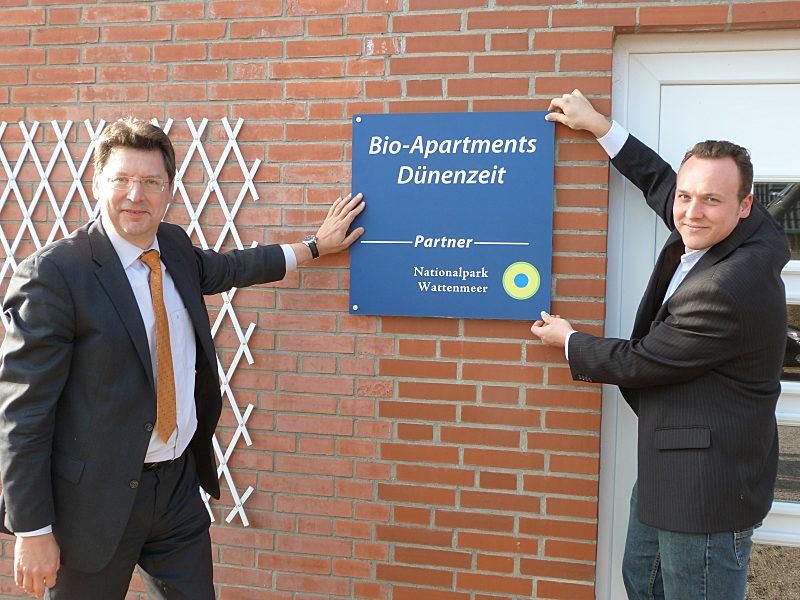 Wirtschaftsminister SH R. Meyer (li.) und Welf Kraas